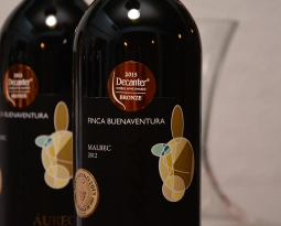 Finca Buenaventura  gana medalla en Decanter World Wine Award